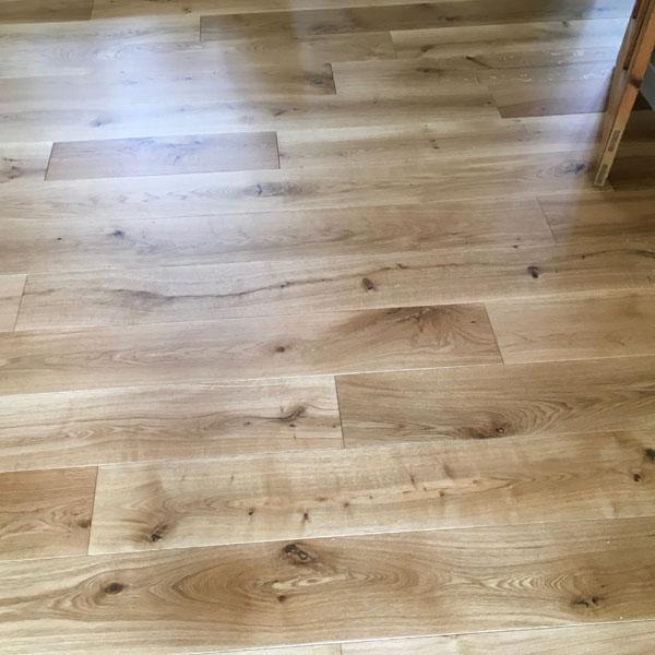 Engineered Rustic Grade Distressed Oak